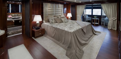 Iates e jatos  por CRN SPA - YACHT YOUR WAY-