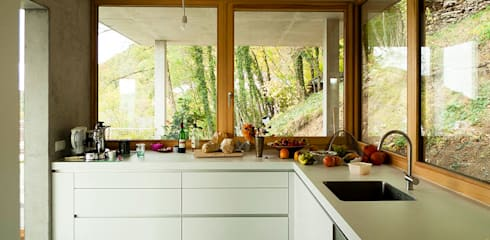 Dapur by GIAN SALIS ARCHITEKT