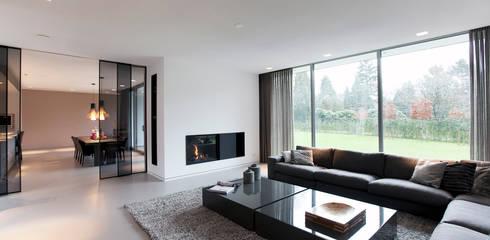 Villa Gelderland: moderne Woonkamer door studio KAP+BERK