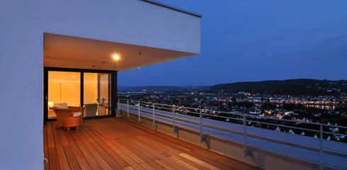 Haus Rheinblick:  Terrasse von wirges-klein architekten