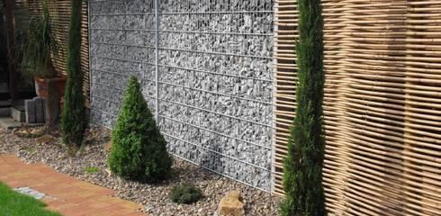 Gabionen in Kobination mit Bambus:  Garten von GH Product Solutions