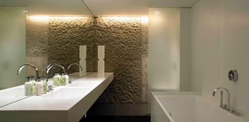 Apartment 60:  Bathroom by Mackay + Partners
