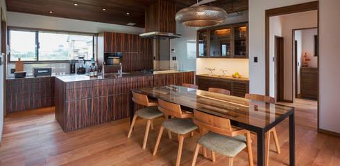 藤井下組の家: 空間設計室/kukanarchiが手掛けたダイニングルームです。