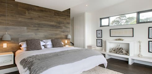 Main Bedroom:  Bedroom by GSI Interior Design & Manufacture