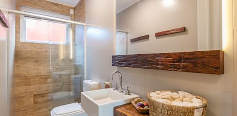 rustic Bathroom by RHAJA ARQUITETURA