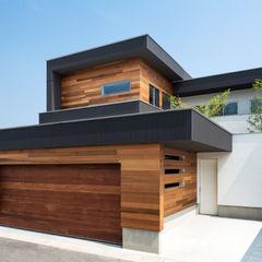 M4-house 「重なり合う家」 Architect Show Co.,Ltd モダンな 家