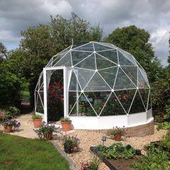 SOLARDOME Haven Solardome Industries Limited Jardines de estilo moderno