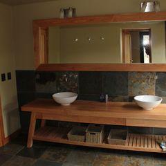 Casa Chapelco Golf - Patagonia Argentina Aguirre Arquitectura Patagonica Baños modernos