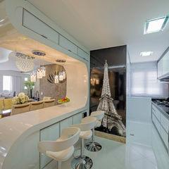 Designer de Interiores e Paisagista Iara Kílaris Cocinas de estilo moderno