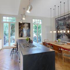Schmidt Holzinger Innenarchitekten Cocinas modernas