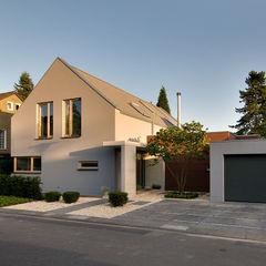 Ansicht von der Straße wirges-klein architekten Moderne Häuser