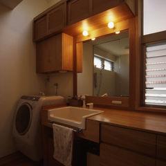 風建築工房 Modern style bathrooms