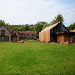 Veddw Farm, Monmouthshire Hall + Bednarczyk Architects Casas modernas