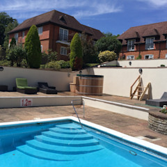 Northern Lights hot Tubs and Sauans Cedar Hot Tubs UK Country style hotels