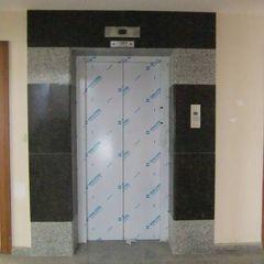 Ege Mermer Granit Modern Corridor, Hallway and Staircase