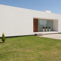 VISMARACORSI ARQUITECTOS Maisons modernes