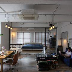 90平米のワンルーム HOUSETRAD CO.,LTD インダストリアルデザインの リビング