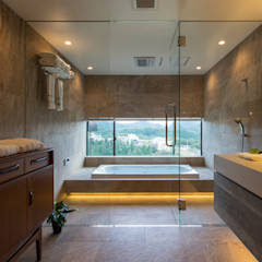 Mimasis Design/ミメイシス デザイン Modern bathroom Grey
