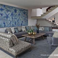 Sala MARIANGEL COGHLAN Salas de estilo moderno