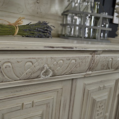 Shabby Chic Off White French Buffet / Kitchen Dresser The Treasure Trove Shabby Chic & Vintage Furniture CocinasMuebles de cocina Madera Beige