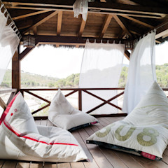 Mas Natural Design Balconies, verandas & terraces Furniture