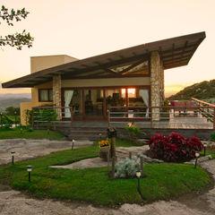 Casa da Serra Duo Arquitetura Casas campestres Madeira Bege