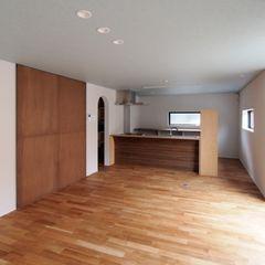 AtelierorB Modern dining room Wood Wood effect