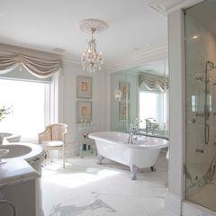 Bathroom Janine Stone Design Baños de estilo clásico Mármol Blanco