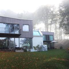 FIA Spandri Wiedemann Architekten Moderne Häuser Holz Grau