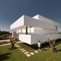 Cinco Terraços e um Jardim Corpo Atelier Casas modernas Branco