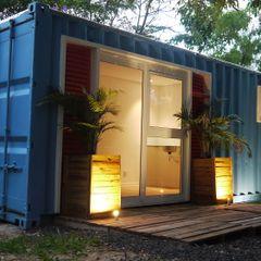 Fachada homify Casas ecléticas Metal Azul