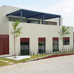 Xome Arquitectos Modern Houses Engineered Wood Beige