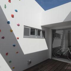 hacototo design room Modern balcony, veranda & terrace Stone Multicolored