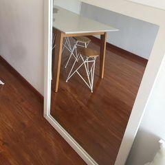Felipe Lara & Cía Living room Wood White