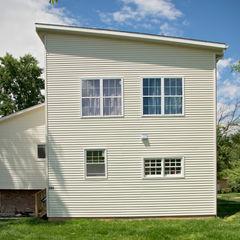 RT Studio, LLC Modern houses