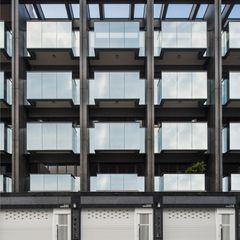 正立面幾乎都是玻璃.除了外觀美感外.最重要的室內空間的開闊度 竹村空間 Zhucun Design Offices & stores Glass