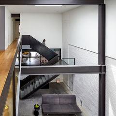 KUBE architecture راهرو مدرن، راهرو و راه پله
