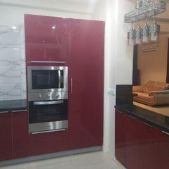 Kitchen at Faridabad Grey-Woods KitchenCutlery, crockery & glassware Engineered Wood Red