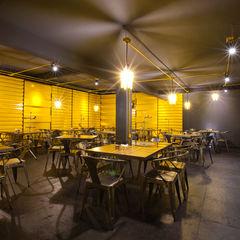 Boutique de Arquitectura ¨Querétaro [Sonotectura+Refaccionaria] Modern dining room Iron/Steel Yellow