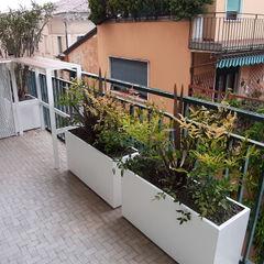 Mattia Boldrin Garden Design Modern balcony, veranda & terrace