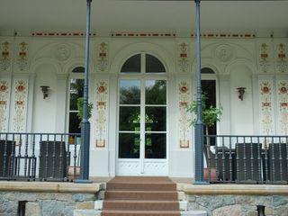Wandmalerei & Oberflächenveredelungen Classic style balcony, veranda & terrace