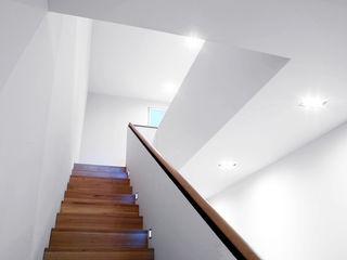 ZappeArchitekten Staircase, Corridor and Hallway