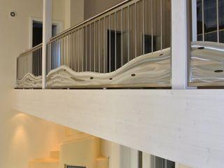 Edelstahl Atelier Crouse: 陽台、門廊與露臺 配件與裝飾品