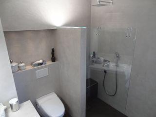 Wände mit Charakter Salle de bain moderne
