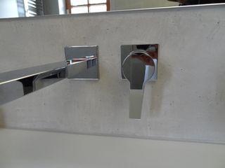 Wände mit Charakter Salle de bainRobinets