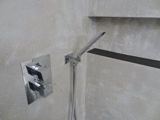 Wände mit Charakter Salle de bainBaignoires & douches