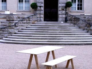 Pool22_A-Fuss-Garnitur für draussen und drinnen Pool22.Design GartenMöbel Holz Weiß