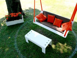 Pool22_Hängebank DE VOLÉE Pool22.Design GartenMöbel Metall Weiß