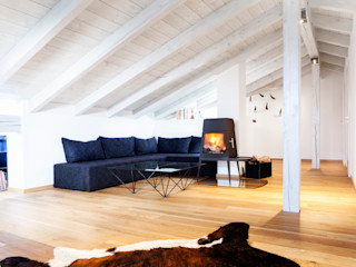 BESPOKE GmbH // Interior Design & Production Salones rústicos de estilo rústico
