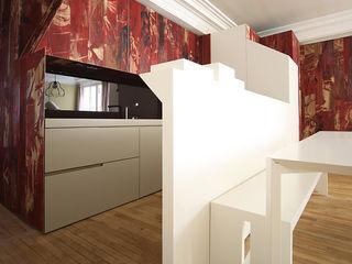 THE TRUE WOLF WEARS HIS FUR INSIDE Marcante-Testa 廚房室